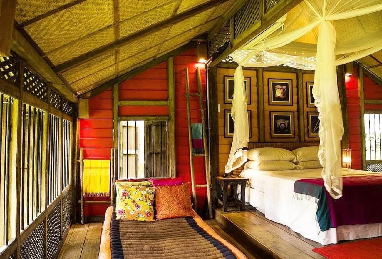 HIPSHUT Bon Ton Resort