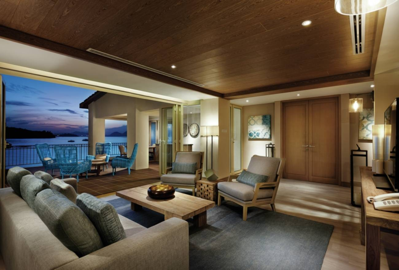 HIPSHUT Resorts World Langkawi